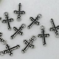 10 x Antique Silver Cross Charm Pendants